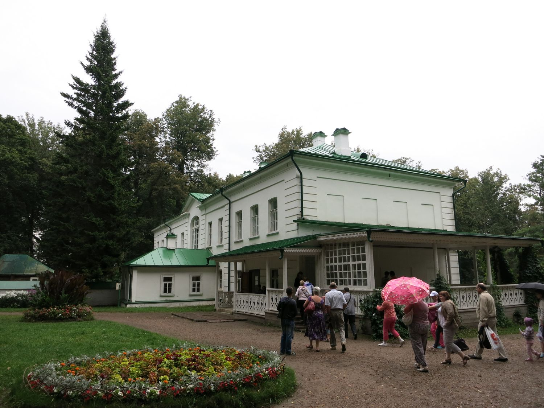 dom-Tolstogo-v-Yasnoj-Polyane