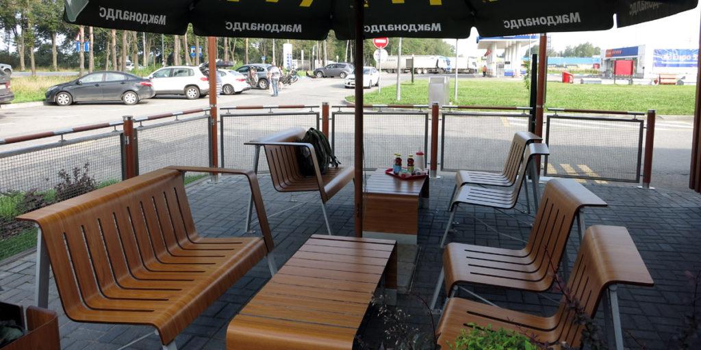 МакДональдс в Мокшино, где можно перекусить на трассе M10