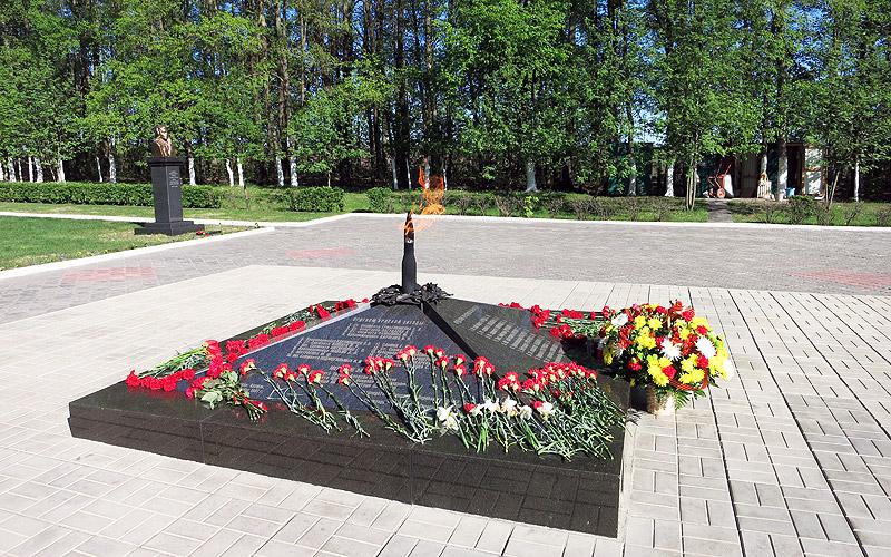 Мемориал у села Первый воин в честь рождения Советской танковой гвардии