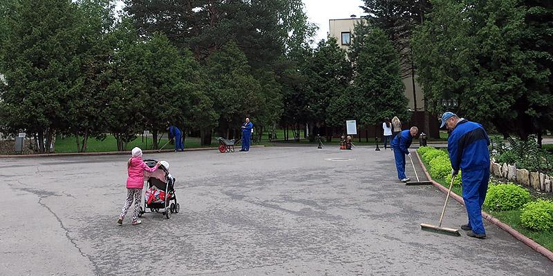 Уборка территории в Яхонты Ногинск. Чистота и порядок