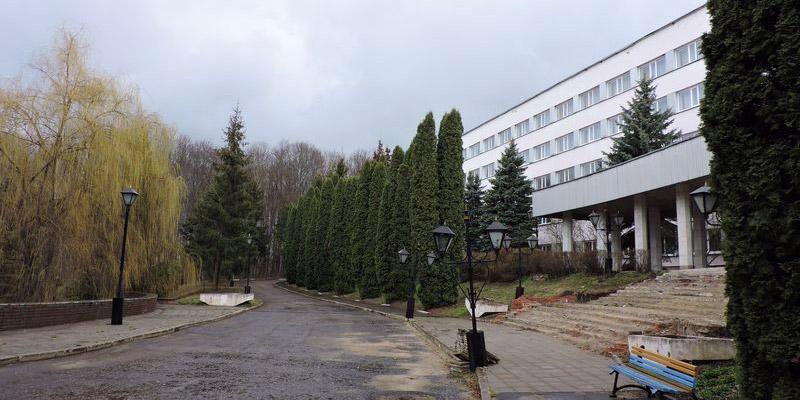Главный корпус парк-отеля Андре Мценск