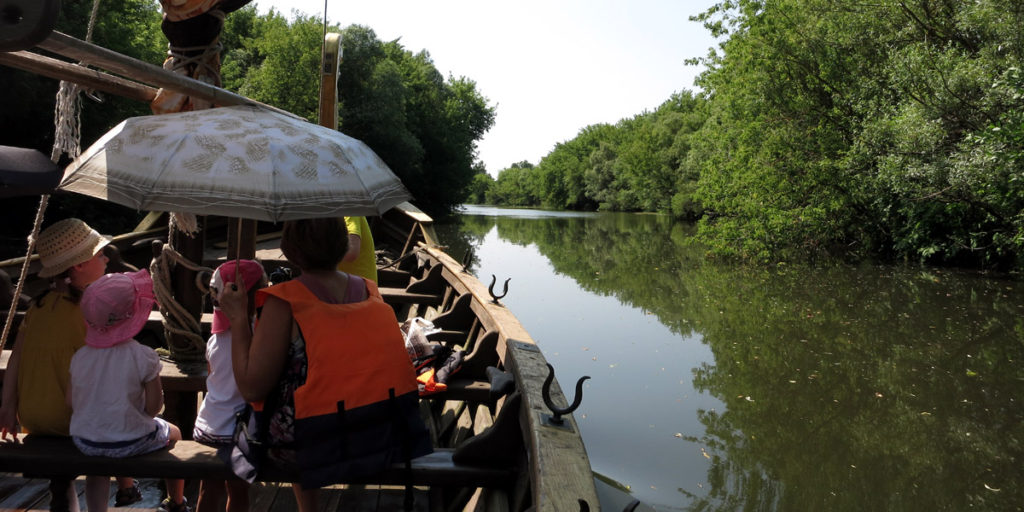 Водный туризм в Орле: речная прогулка по Оке на ладье!