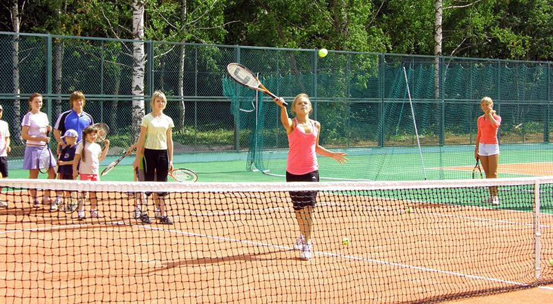 Корт большой теннис
