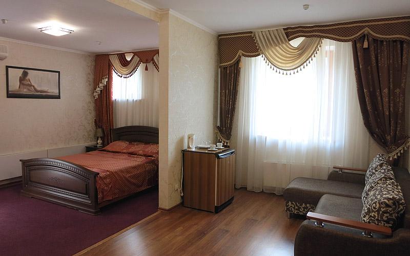 Номер люкс в коттедже в Улыбке
