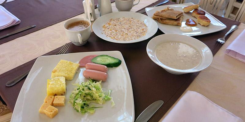 Питание в улыбке - завтрак шведский стол