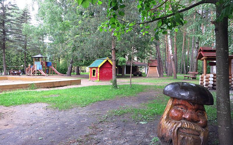 Детская площадка на территории Яхонты Ногинск