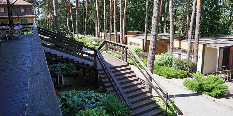 Благоустроенная территория базы отдыха Донской лес